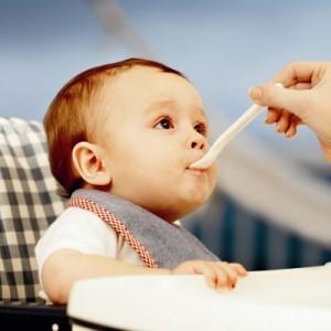 Bebeklerin Besleme