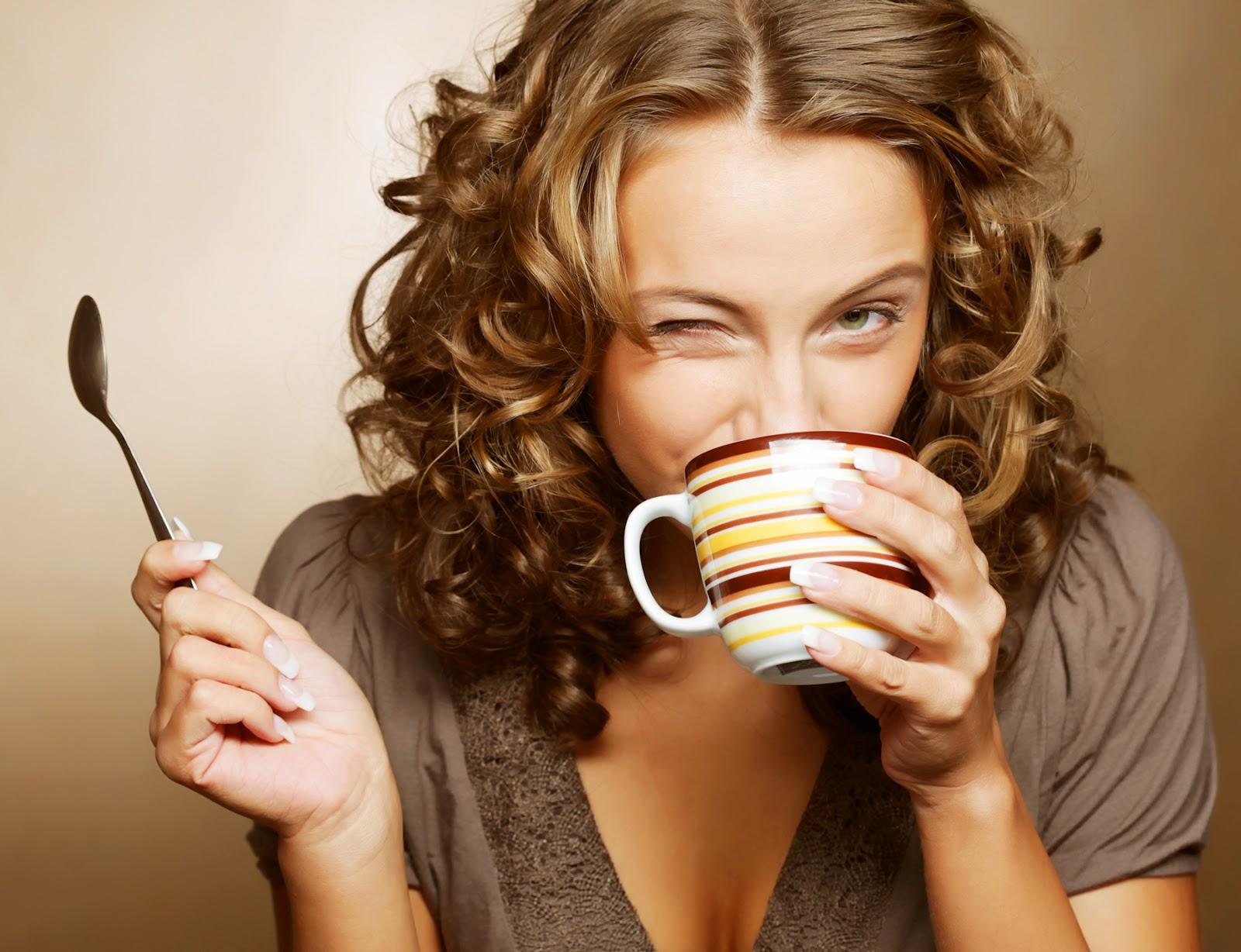 Фото как девочки пьют сперму 13 фотография