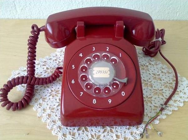 çevirmeli telefon
