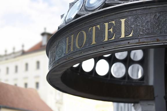 Otel Programları ve Hizmet Kalitesine Etkileri