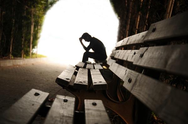 majör depresyonu tetikleyen etkenler